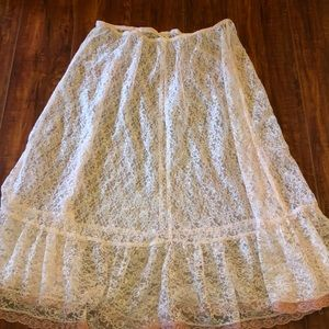 Super cute vintage under cover dress 👗 or skirt